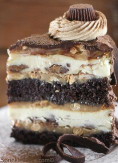 Peanut Butter Cup Chocolate Cake Cheesecake....YUM!! ✿⊱╮
