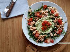 rucola salade met zalm avocado en tomaat