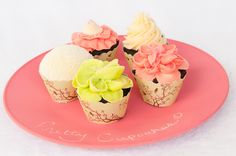@Chalkboard China is a great way to show off your cupcakes or name any food item! Thanks Bella Cupcake Couture! #cupcake #gift #wedding