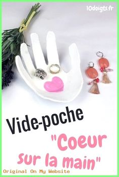 Visit the post for more. Bead Crafts, Diy And Crafts, Officine Creative, Petite Section, Mother Day Gifts, Gift Tags, Activities For Kids, Projects To Try, Brindille