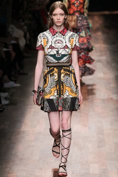 Just loving this whole collection!!  Perfection! Valentino Spring 2015 RTW – Runway – Vogue