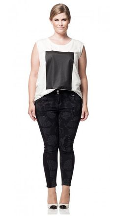 Malte Plus Size Top from Carmakoma
