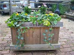 Large Wooden Garden Autumn Winter Frost Proof Planter Raised Box Bed. £15 Ebay