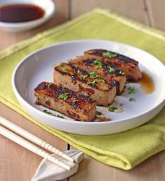 49 recettes avec du tofu à essayer Vegetarian Recipes Easy, Dairy Free Recipes, Raw Food Recipes, Cooking Recipes, Healthy Recipes, Hamburger Au Tofu, Tofu Sauce, Tofu Dishes, Paleo