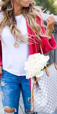 #fall #outfits bouquet of white roses