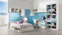 muebles en blanco y azul claro