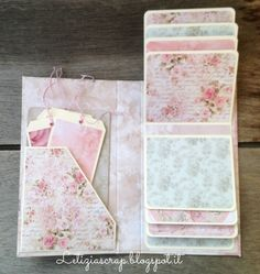 Un mini album romantico Mini Albums Scrap, Mini Scrapbook Albums, Baby Scrapbook, Scrapbook Letters, Scrapbook Paper Crafts, Pregnancy Scrapbook, Baby Mini Album, Mini Album Tutorial, Fancy Fold Cards