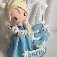 Frozen Cupcake Toppers, Fondant Toppers, Frozen Birthday Party, Frozen Party, Elsa Frozen, Frozen Theme Cake, Fondant Tutorial, Fondant Figures, Sugar Art