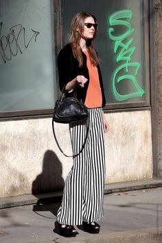 street style, outfit, look, trend , fashion, moda, tendencia, inspiração, get inspired, inspiration, black nd white, preto e branco, pants, striped, listras, listrado