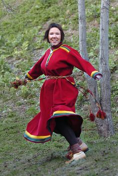 Sami kofte from Porsanger, Norway Historical Clothing, Folk Clothing, Norway Sweden Finland, Tribal People, Norse Vikings, Cultural Diversity, Folk Costume, Traditional Outfits, Textiles