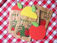 Les Moustachoux: Invitation pomme et sa pochette, free printable
