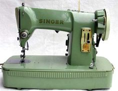 Vintage Singer 185K Sewing Machine With Case