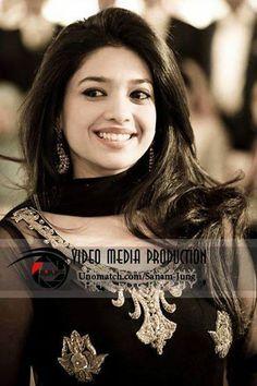 Sanam Jung Pakistani Actress Fashion Model .