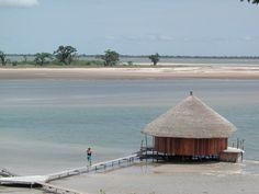 Chambre sur la lagune, Lodge de Niassam, Palmarin (Sénégal)  http://www.lodgedescollinesdeniassam.dphoto.com