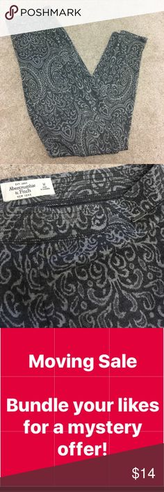 Abercrombie & Fitch Printed Leggings Good condition Abercrombie & Fitch Pants Leggings