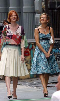 Carrie Bradshaw With Miranda Hobbes Wearing Prom Dresses, Season 6