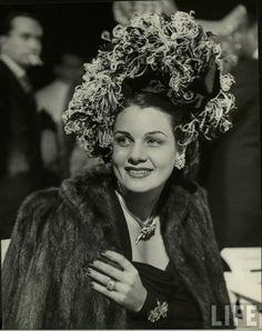 Aline Johnson De Menocal ( Havana Glamour Girl ) . 1946 . Photo by Nina Leen