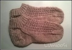 One Color, Colour, Mittens, Knitted Hats, Knitting, Diy, Crafts, Knits, Sneakers