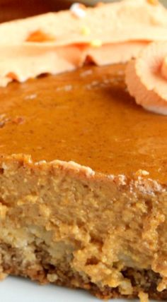 Pie meets cookie in this delicious pumpkin pie with brown sugar oatmeal cookie crust. The soft and flavorful oatmeal cookie crust makes a tummy smile. Pumpkin Dessert, Pie Dessert, Pumpkin Pumpkin, Fall Baking, Holiday Baking, Fall Desserts, Just Desserts, Sweet Pie, Cookie Crust