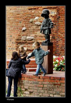 Generations ( At the Boy-soldier statue) - Warsaw, Mazowieckie
