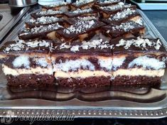 Érdekel a receptje? Hungarian Desserts, Hungarian Recipes, Pie Recipes, Cooking Recipes, Tasty, Yummy Food, Cake Bars, Creative Food, Chocolate