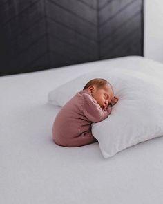 Baby boy newborn photography ideas sons Ideas for 2019 Newborn Baby Photos, Newborn Baby Photography, Newborn Pictures, Baby Girl Newborn, Baby Pictures, Family Photography, Photography Ideas, Baby Gap, Baby Boys