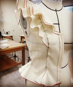 17 likes, 6 comments – clodin lee … dress designer (@ clodin_lee) in Insta … - Do it Yourself Clothes Draping Techniques, Techniques Couture, Sewing Techniques, Tailoring Techniques, Sewing Ruffles, Dress Sewing Patterns, Clothing Patterns, Fashion Sewing, Diy Fashion