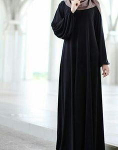 Abaya Noir, Mode Abaya, Niqab Fashion, Women's Fashion Dresses, Estilo Abaya, Hijab Gown, Modele Hijab, Muslim Women Fashion, Hijab Fashionista