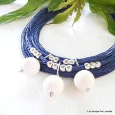 Collier nautique Lin Bleu, Collier Plastron Blanc et Bleu, Collier bleu Marine, Collier Blanc Bois, Plage : Collier par la-fabrique-de-loulette