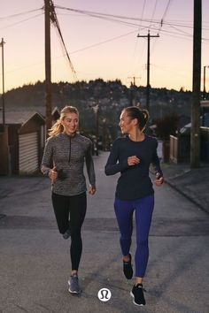 Fitness Outfits, Fitness Fashion, Athletic Outfits, Sport Outfits, Running Outfits, Looks Academia, Sport Videos, Nordic Walking, Bodybuilding Workouts