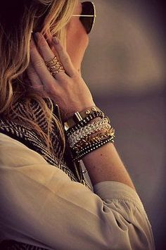 Accessories  http://coolbraceletscollections.13faqs.com