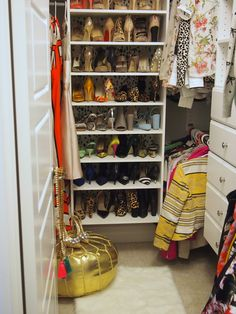 Check out how blogger @krystinlee of Suburban Faux Pas transformed her  closet using a Martha Stewart Closet Kit.