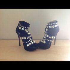 GORGEOUS Black Shoes Size 7 Gorgeous black Shoes Size 7 Shoes