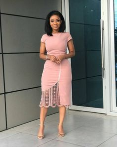 Elegant Boutonniere Lace Pink Midi Dress Women Casual Office O Neck Pencil Dress Solid Party Short Sleeve Bodycon Dress Classy Work Outfits, Classy Dress, Chic Outfits, Dress Outfits, Fashion Outfits, Outfits Fo, Woman Outfits, Work Fashion, Fashion Styles