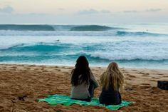 friends.beach.ocean.sand.perfect. i wanna be in this moment.  I miss my best friend, but we know we will never change :) it's perfect I'd be the brunette and shed be the blond I'm gonna go call her ;p