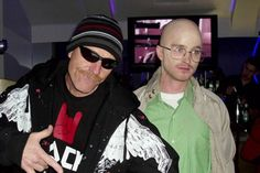 Breaking Bad Cosplay in Reverse With Bryan Cranston as Jesse Pinkman and Aaron Paul as Walter White Slytherin, Breaking Bad Cast, Bad Cosplay, Best Celebrity Halloween Costumes, Jesse Pinkman, Aaron Paul, Bryan Cranston, Picture Fails, Walter White
