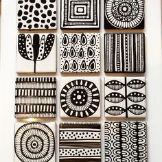 Black and white tiles. Pattern Art, Pattern Design, Textures Patterns, Print Patterns, Tile Patterns, Black And White Tiles, Zentangle Patterns, Zentangles, Sgraffito