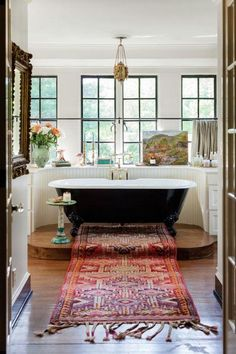 The Nashville home of Lily Aldridge is a case for brave antiques # . - The Nashville home of Lily Aldridge is a case for brave antiques house house - Architectural Digest, Nashville, Sweet Home, House Ideas, Bright Homes, Classic Bathroom, Beautiful Bathrooms, Bathroom Inspiration, Bathroom Ideas