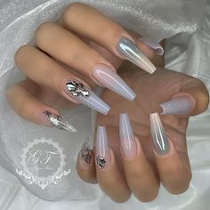Try some of these designs and give your nails a quick makeover, gallery of unique nail art designs for any season. The best images and creative ideas for your nails. Glam Nails, Hot Nails, Fancy Nails, Pretty Nails, Hair And Nails, Acrylic Nail Designs, Nail Art Designs, Acrylic Nails, Nailart