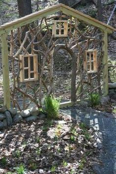 wood be so cute for the girls Secret Garden area !this is so cool Enchanting garden entrance ~ Garden in the Woods. I need this in a mini for the fairy and gnome garden entrance ! Garden Entrance, Garden Gates, House Entrance, Garden Archway, Garden Arbor, Diy Garden, Dream Garden, Gnome Garden, Upcycled Garden