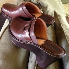 Born clogs Very excellent condition. Worn once BORN Shoes Mules & Clogs