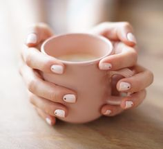 La Manucure de l'amour ... Merci @simonebeautyapp je suis complètement addict ! Merci Yuko ! #manicure #smartapp #crush by makemylemonade