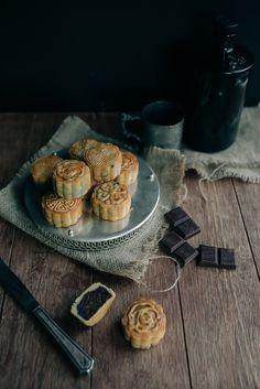 CHOCOLATE & LOTUS SEED MINI MOONCAKES