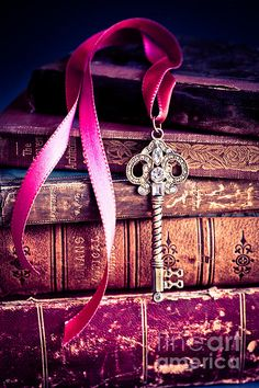 The (purple) key to our heart The Purple, Purple Stuff, All Things Purple, Shades Of Purple, Purple Books, Magenta, Purple Flowers, Purple Ribbon, Rose Flowers