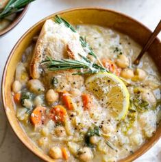 Nourishing White Bean and Lemon Soup - - Nourishing White Bean and Lemon Soup is a vegetarian, fiber-filled meal ready in just 40 minutes. A one-pot meal perfect for make-ahead lunches or easy weeknight dinner. Whole Food Recipes, Vegan Recipes, Dinner Recipes, Cooking Recipes, Healthy Soup Recipes, Fall Recipes, White Bean Soup, White Beans, White Bean Chili Vegetarian