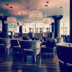 Lovely lounge #cafetime #london #uk #towerhill #motelone @motel_one by stephaneburger