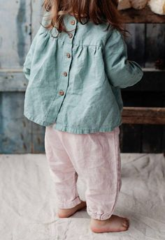 Handmade Linen Blouse / Lapetitealice on Etsy Fashion Kids, Baby Girl Fashion, Toddler Fashion, Fashion Top, Fashion Clothes, Outfits Niños, Baby Outfits, Bohemian Girls, Bohemian Dresses