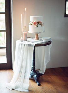 Wedding cake table - A Dreamy Wedding Inspiration Shoot Worthy of Fairytale Status – Wedding cake table Wedding Desserts, Wedding Themes, Wedding Designs, Wedding Cakes, Wedding Decorations, Wedding Ideas, Daisy Wedding, Our Wedding, Dream Wedding