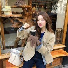 인스타 패셔니스타 차정원/차정원 패션/차정원 스타일/차정원 사복 : 네이버 블로그 Korean Street Fashion, Street Style, Coat, Vintage, Sewing Coat, Urban Style, Korea Street Fashion, Street Style Fashion, Peacoats