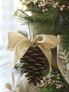 weihnachten tannenzapfen schleife weihnachtsbastelleien